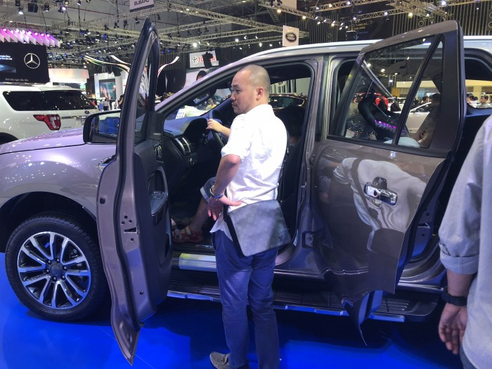 Ford Everest 2.0L Bi-Turbo 2019 trả trước 300 triệu có xe ngay tại Ford Gia Định - Gọi ngay 0966877768 (Mr Hải 24/24)