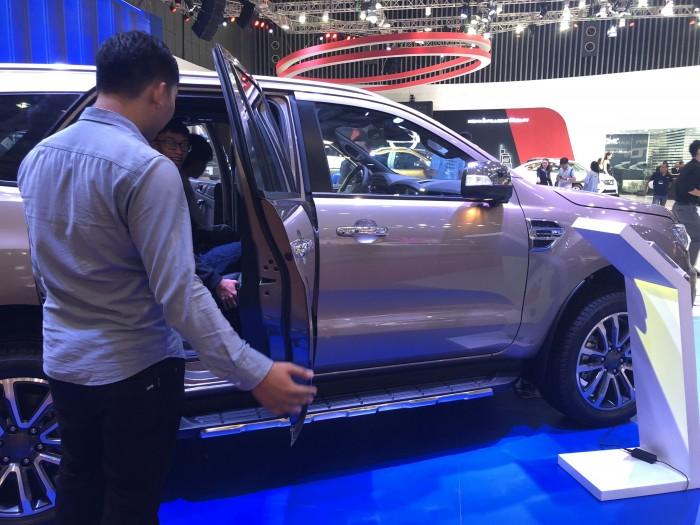 Giá xe Ford Everest 2.0L Bi-Turbo 2019 trả trước 300 triệu có xe ngay tại Ford Gia Định - Gọi ngay 0966877768 (Mr Hải 24/24)