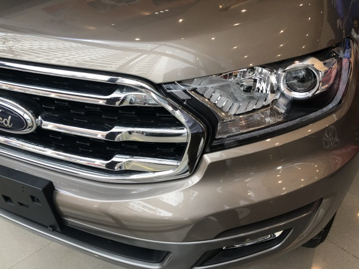 Giá xe Ford Everest Trend 2.0L 7 chổ số tự động, trả trước 200 triệu có xe ngay tại Ford Gia Định 6