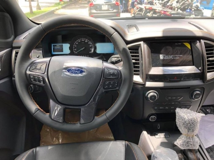 Ford Ranger 2.0 Bi Turbo màu cam - Tặng phụ kiên, giảm giá tiền mặt tại Ford Gia Định, trả trước 200 triệu là có xe ngay 5