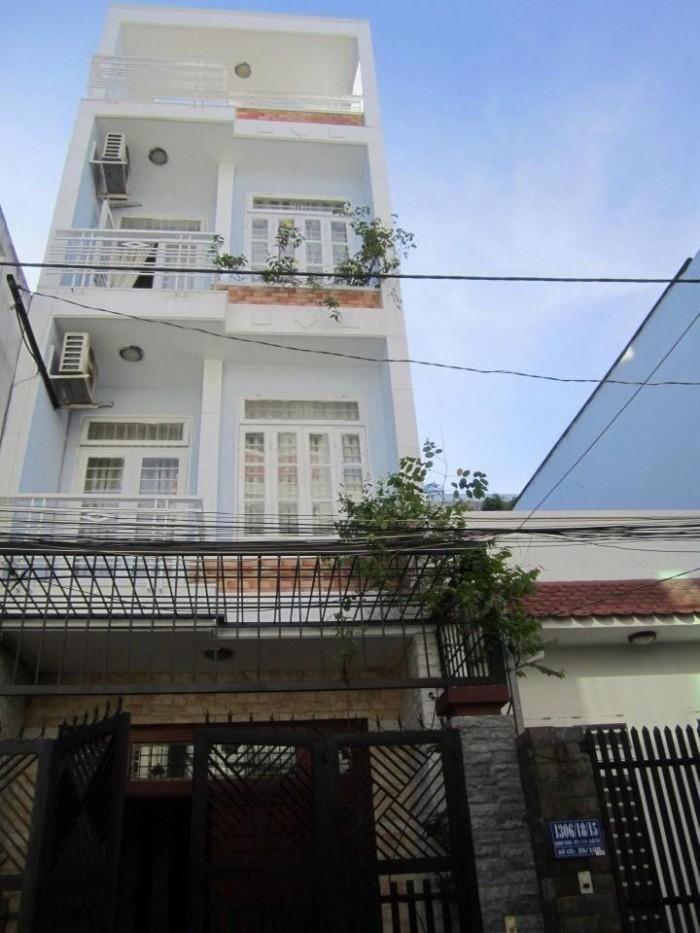 Bán gấp nhà đường Dương Công Khi 2 Lầu, 4 phòng ngủ, đường 18m, shr