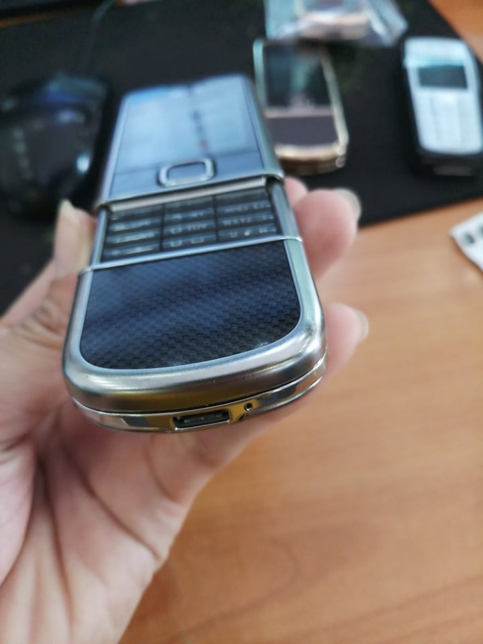 Nokia 8800 Cacbon Main E chính hãng2