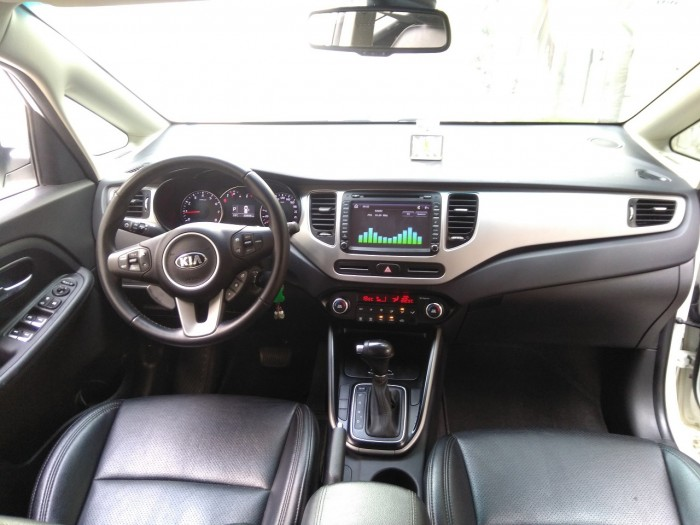 Cần bán xe Kia Rondo 2017 số tự động 2