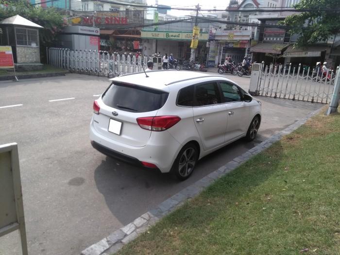 Cần bán xe Kia Rondo 2017 số tự động 4