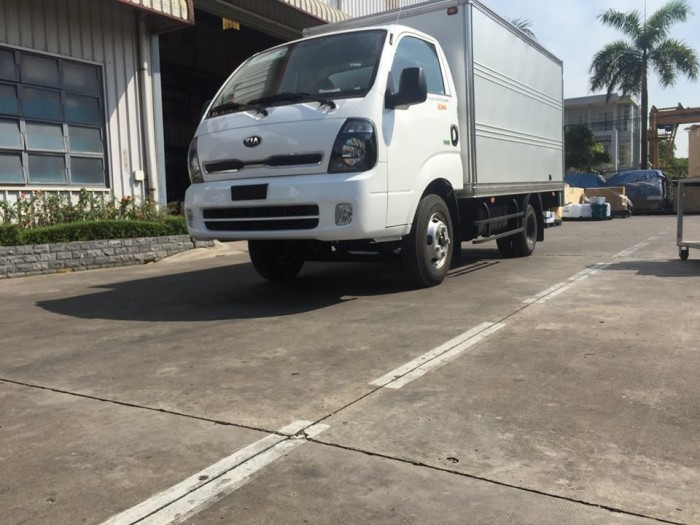 Bán xe tải k200 tải trọng thấp để vào phố phù hợp cho khách hàng là công ty 5
