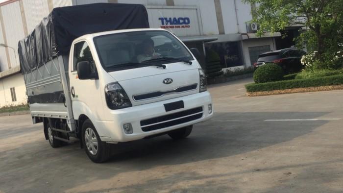 Bán xe tải k200 tải trọng thấp để vào phố phù hợp cho khách hàng là công ty 3