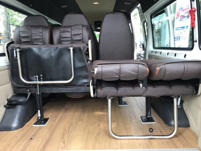 Ford Transit Luxury Limited 2019, trả trước 250 triệu, có xe giao ngay tại Ford Gia Định 10