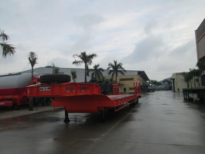 Bán Rơ Mooc Lùn  chở Máy xúc, máy đào, máy công trình loại 3 trục sàn phẳng 8m, dài 16m hiệu Doosung