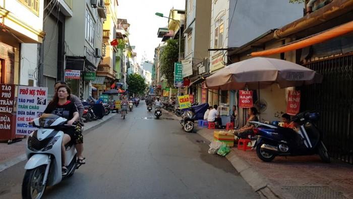 Bán đất 180m2 mặt tiềnphố 2 mặt tiền tổng 20m P. Trương Định, Hai Bà Trưng