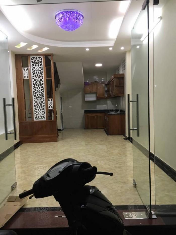 Bán Nhà Siêu Rẻ Lô Góc Mặt Ngõ Ô Tô Đỗ Cửa Cách Phố Tôn Đức Thắng 15m. Giá 95 triệu/m2