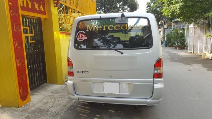 Bán xe Mercedes 9 chỗ máy xăng 2005 màu bạc