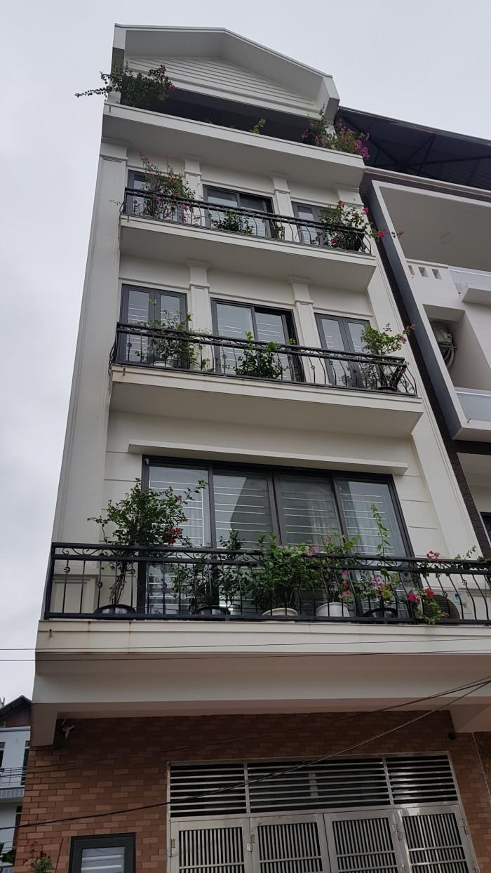 Bán nhà Văn Khê-Hà Đông(50m2x5T) nội thất sang trọng, ô tô để trong nhà.