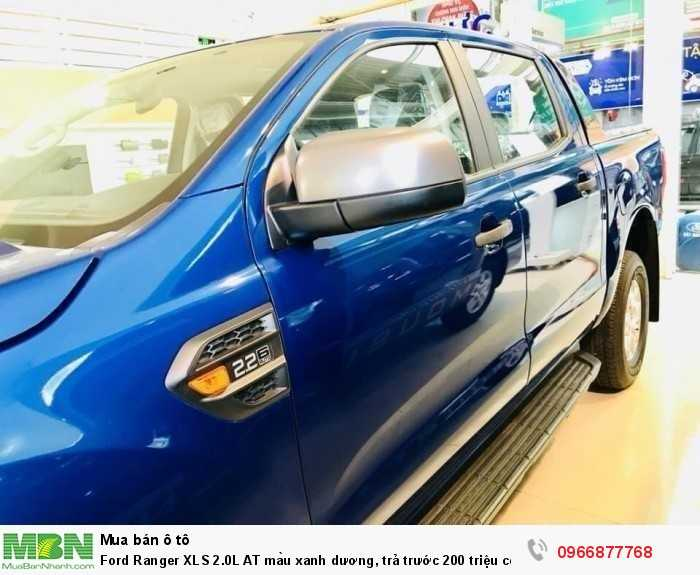 Giá xe Ford Ranger XLS 2.0L AT màu xanh dương, trả trước 200 triệu có xe giao ngay tại Ford Gia Định - Gọi ngay 0966877768 (MrHải 24/24)