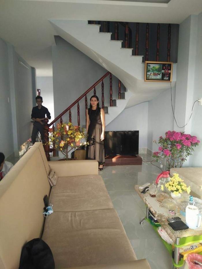 Bán nhà Xã Tân Kim, hẻm xe hơi vô tận nhà! Nhà 1 trệt 1 lầu Diện tích: 5x16m.