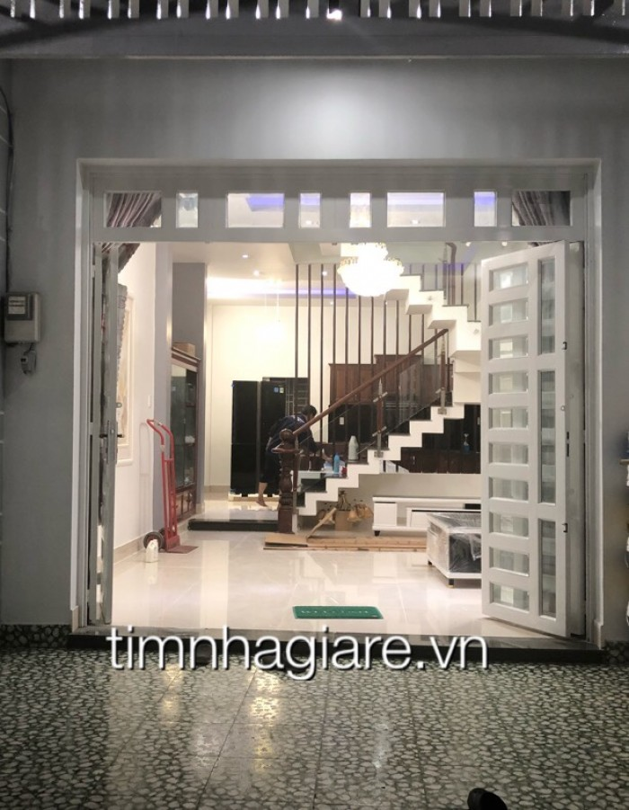 Bán nhà hẻm 2295 đường Huỳnh Tấn Phát, Nhà Bè, DT 129m2, 1 trệt 1 lầu, tặng nội thất