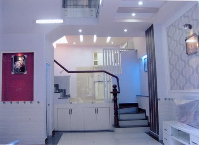 Bán nhà mặt tiền Tân Cảng, p22, q,Bình Thạnh, 2 lầu.