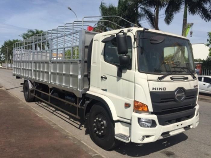 Bán xe tải Hino FL 15 tấn  nhập khẩu tặng ngay 1000l dầu và phí trước bạ.