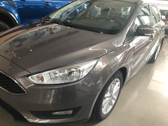 Giá xe Ford Focus Trend 5 cửa, số tự động, trả trước 150 triệu có xe ngay tại Ford Gia Định 1