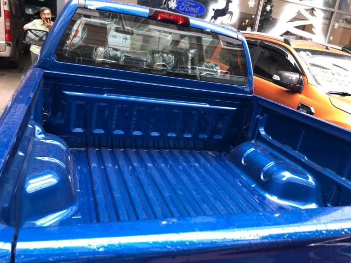 Giá mua xe trả góp Ford Ranger XLS 2.0L số sàn trả trước 200 triệu giao luôn xe tại Ford Gia Định - Gọi 0966877768 (MrHải 24/24)
