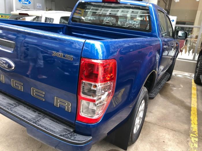 Giá xe Ford Ranger XLS 2.0L số sàn trả trước 200 triệu giao luôn xe tại Ford Gia Định - Gọi 0966877768 (MrHải 24/24)