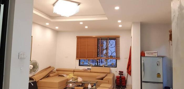 Bán gấp nhà mặt Phố Tân Mai, quận Hoàng Mai, đẹp nhất Phố, giá rẻ ,kinh doanh sầm uất