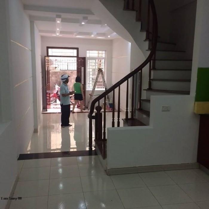 Bán nhà riêng ở Nguyễn Ngọc Vũ, 26 m2, 5 tầng