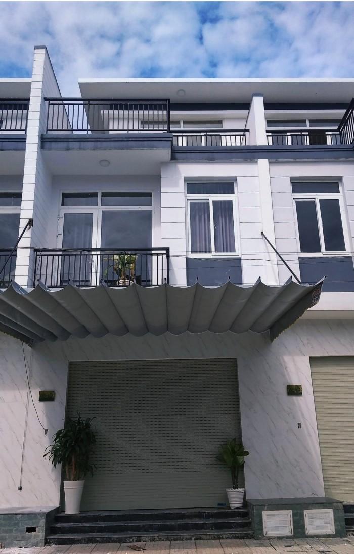 Cần tiền cho con du học bán căn nhà 5x17m, 1 trệt 2 lầu, sổ hồng riêng, Hóc Môn