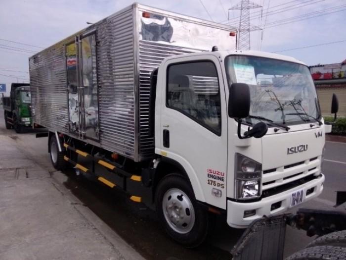 xe tải isuzu VM thùng dài 7m, tải 8.2 tấn , trả góp 90% giá trị xe 5