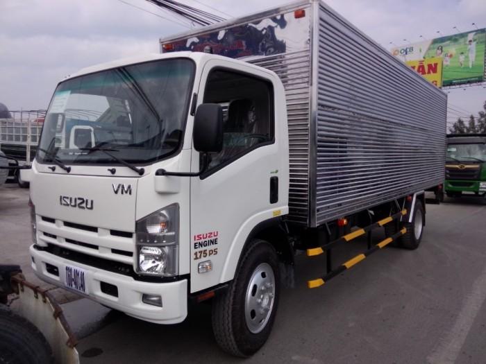xe tải isuzu VM thùng dài 7m, tải 8.2 tấn , trả góp 90% giá trị xe 3