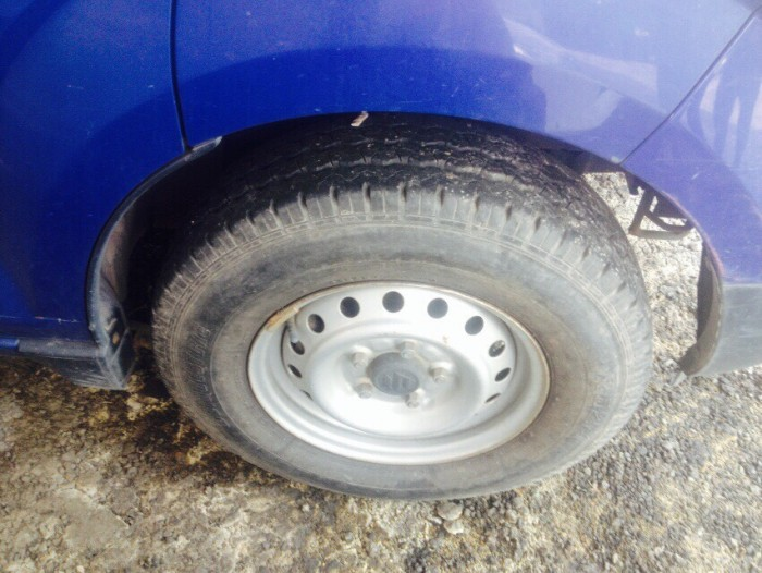Kẹt tiền bán chiếc xe tải Suzuki Sx 2010 xe cty 550kg  số sàn máy dầu 4