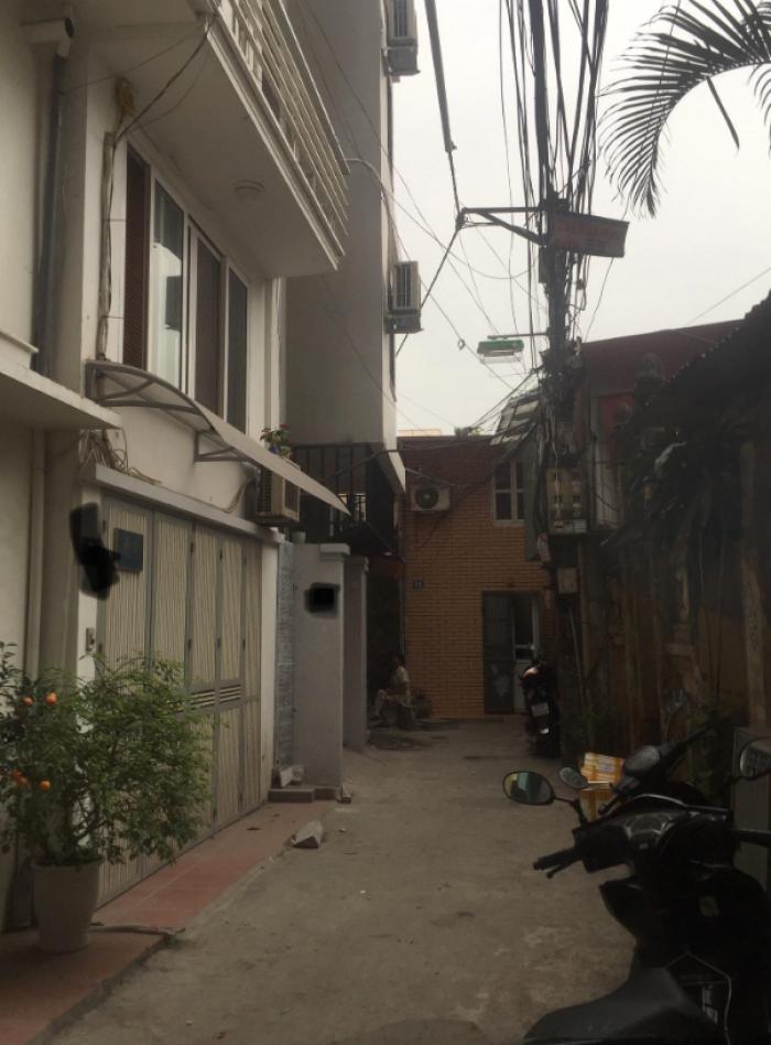 Bán nhà riêng sát phố Tây Sơn, ô tô