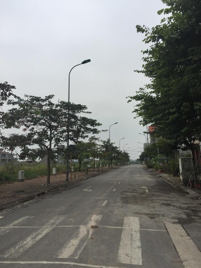 Bán đất khu đô thị 31 Hecta, Trâu Qùy, mặt tiền 12m