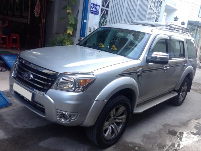 Nhà mình cần bán xe Ford Everest 2012 dầu tự động Hồng phấn