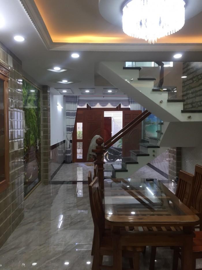 Nhà ngay mercedes Quang Trung, P.8, Gò Vấp – 5 Tầng, Nội Thất Bằng Gỗ