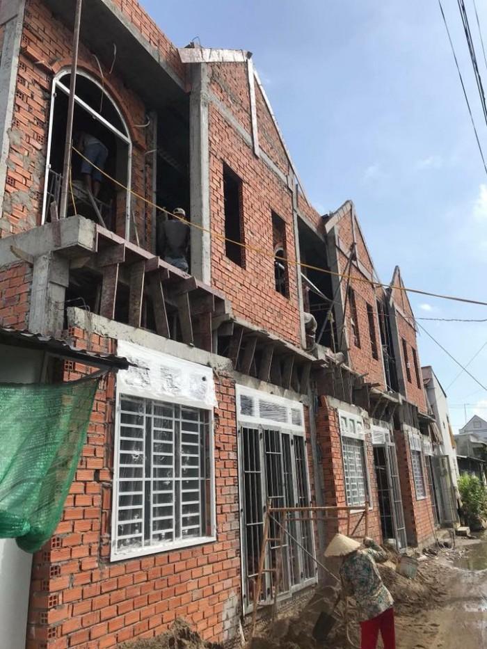 Bán 03 căn nhà liền kề hẻm 11 Nguyễn Văn Linh (Cặp bên bệnh viện đa khoa trung ương)