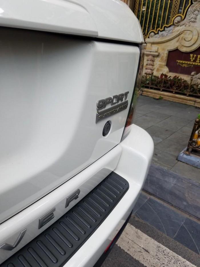Cần bán xe LandRover Range Rover Sport 2010 màu trắng nhập Anh bản 5.0L Full Option,