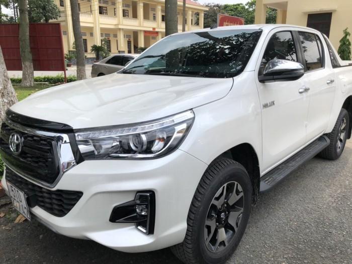 Hilux xe nhập, giá cạnh tranh tại Toyota An Sương