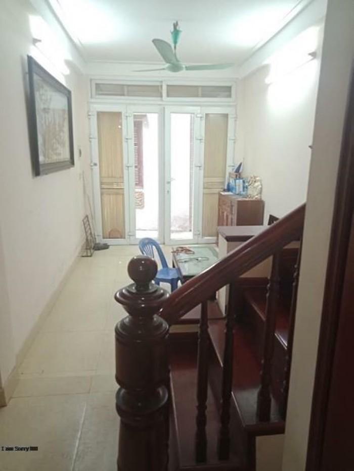 Bán nhà riêng ở Hoàng Quốc Việt, 35 m2, 5 tầng