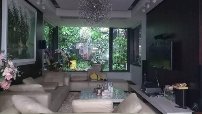GÀ ĐẺ CHỨNG VÀNG mặt phố 10 tầng, 150m2 P. Trúc Bạch, Ba Đình.