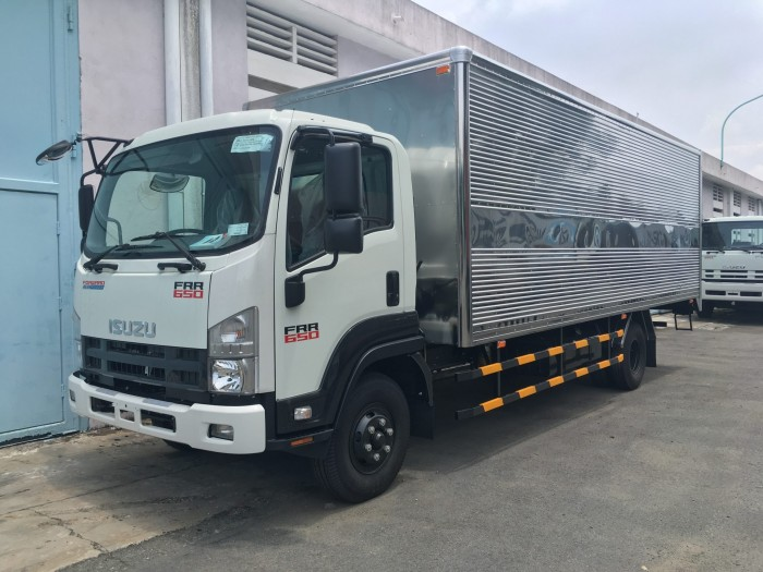 Bán xe tải Isuzu 6 tấn 2 hỗ trợ vay ngân hàng cao đến 95%