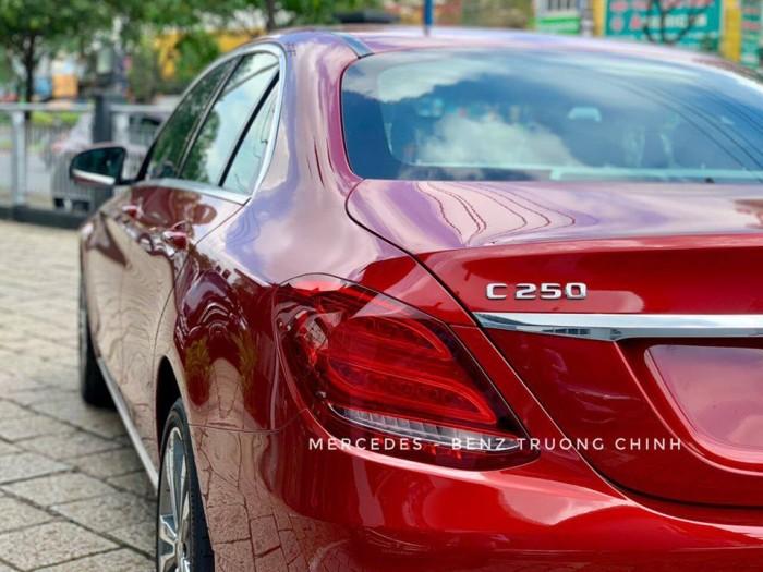 Bán C250 màu đỏ, nội thất đen , giao ngay trong ngày, hổ trợ vay vốn cao lãi suất thấp 5