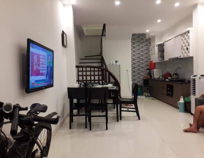 Bán nhà riêng 5 tầng phố Đội Cấn, Ba Đình. 36m2 x 3PN