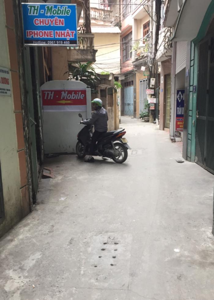 Bán nhà riêng phố Tôn Thất Tùng, ô tô