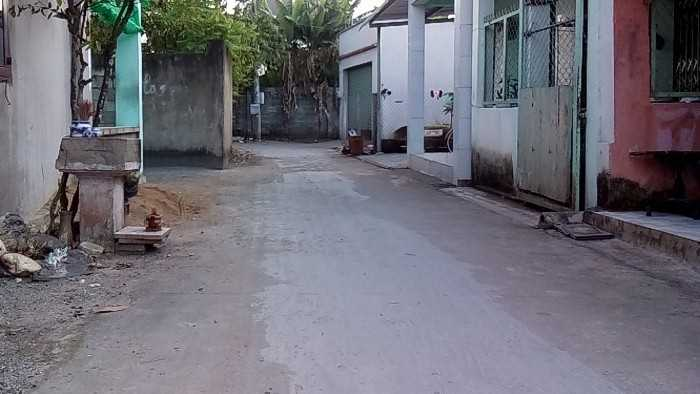 Hẻm xe hơi,khu biệt thự Hoàng Đạt, 2 mặt tiền trước và sau đất, sổ hồng thổ cư, 599 triệu