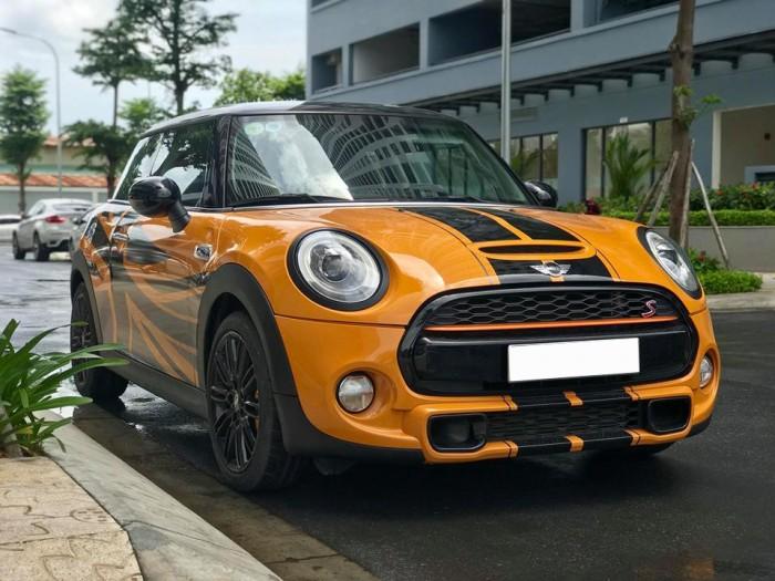 Cần bán gấp xe Mini cooper 2015,màu vàng xịn, xe chở sếp