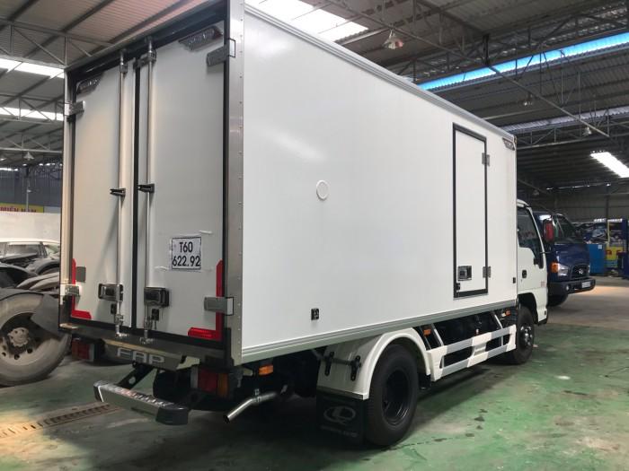 Xe tải ISUZU QKR270 1.9 tấn thùng đông lạnh, trả trước 100 triệu có xe giao ngay - Gọi 0913553798 (MrThi 24/24)