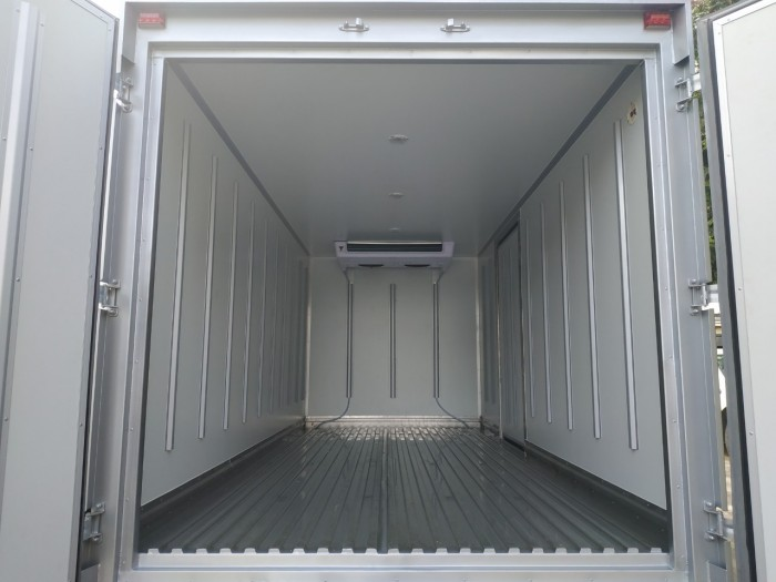 Đô Thành IZ65 thùng đông lạnh tải trọng 3.5 tấn tại Hà Nội Auto Đông Nam