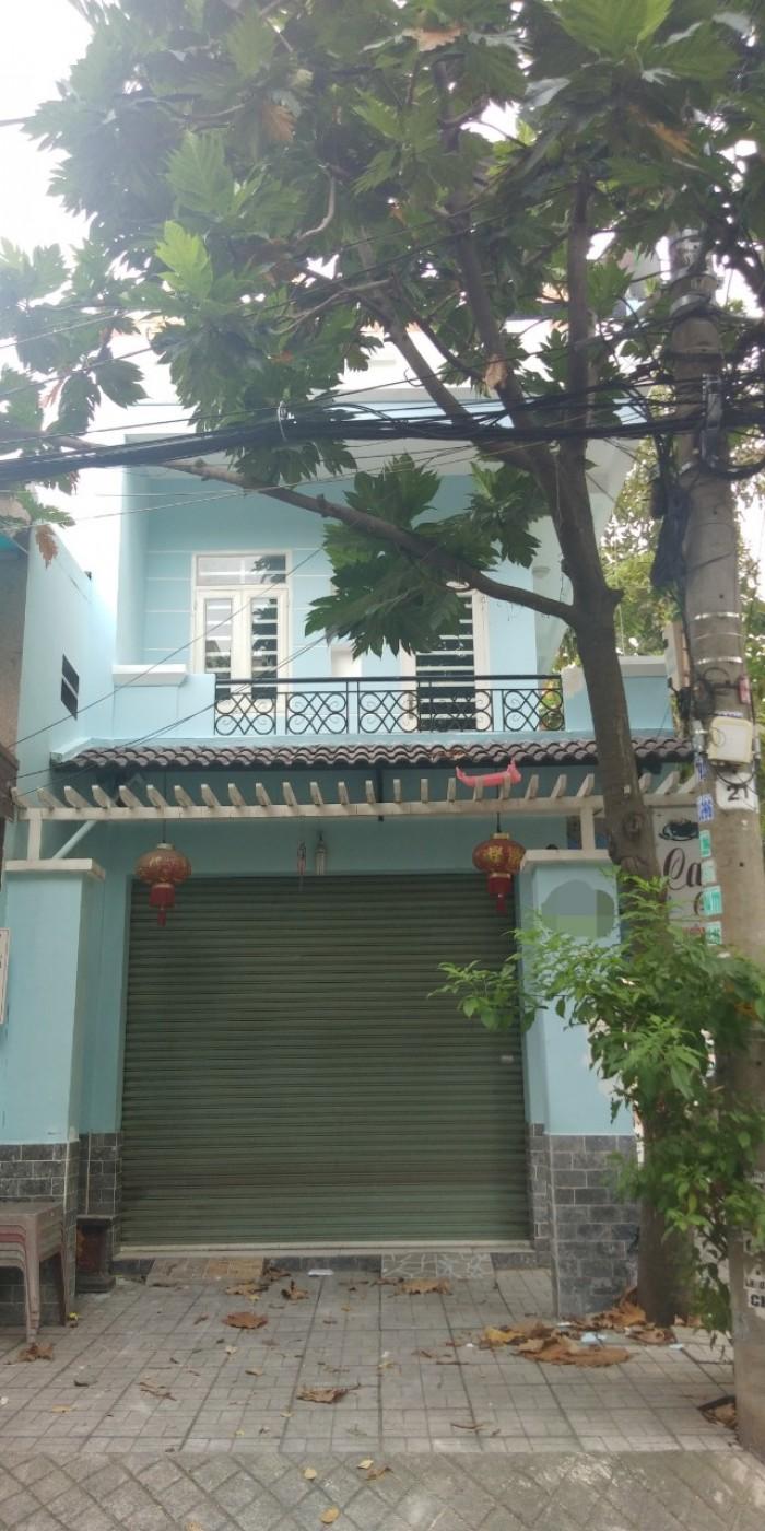 Bán nhà 1 trệt 1 lầu đường 18a, Phước Bình .