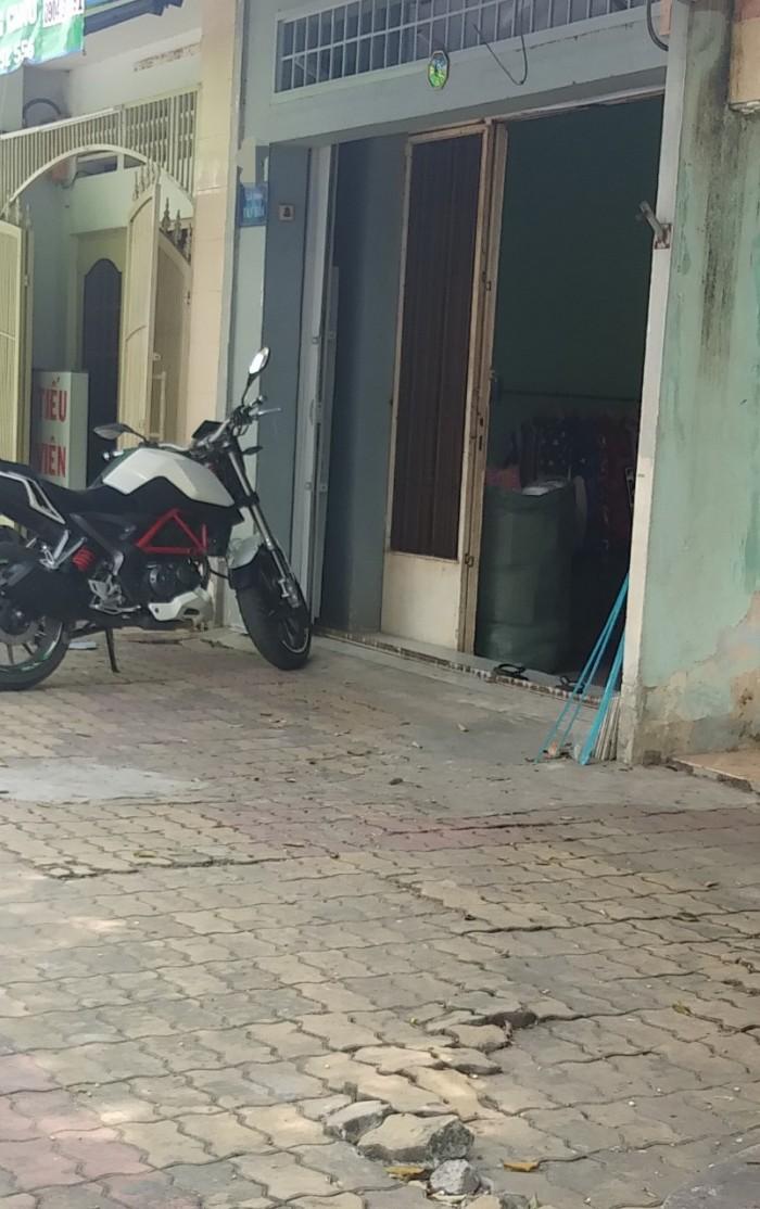 Bán nhà mặt tiền kinh doanh đường 4, Phước Bình, Q9 - 90m2