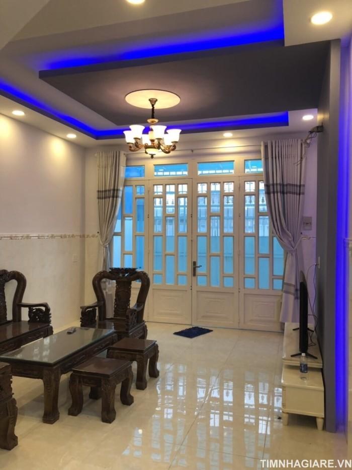 Bán gấp nhà hẻm 1942 Huỳnh Tấn Phát, Nhà Bè, Tp.HCM. DT 66m2, nhà 3 lầu, sân thượng, shr